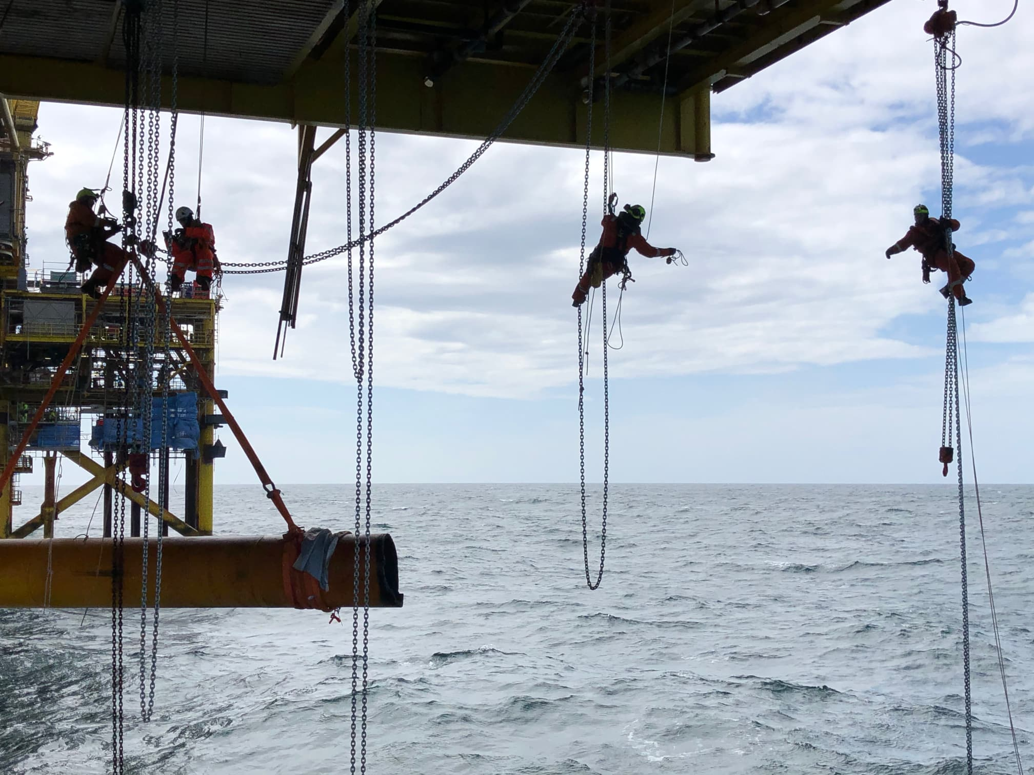 Decommissioning with rope access
