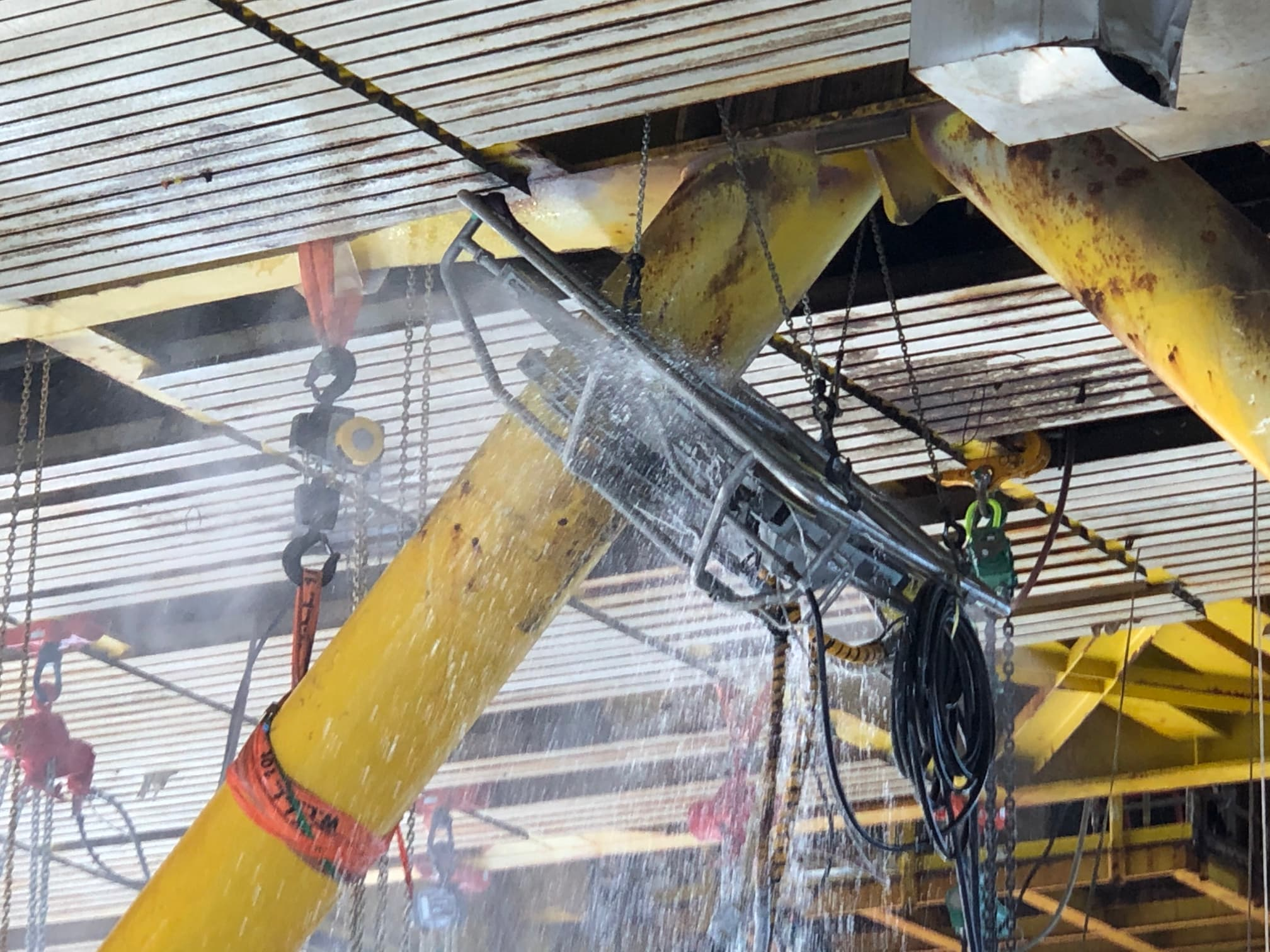 Decommissioning with diamond wire cutting